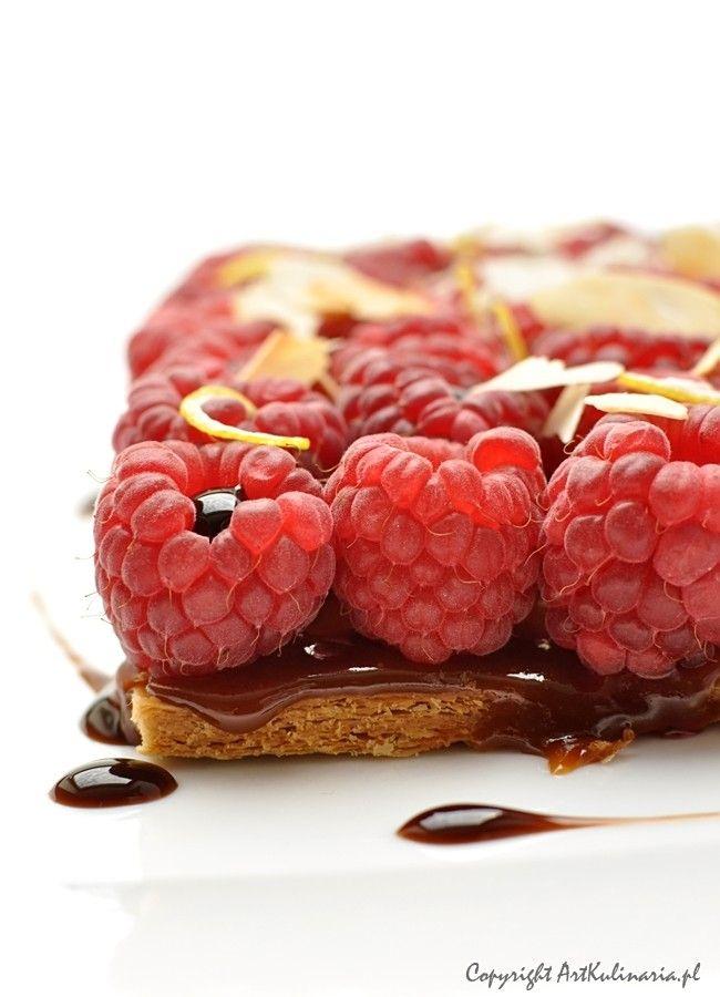 Karmelowe ciastko francuskie z malinami / Rraspberries and caramel puff pastry