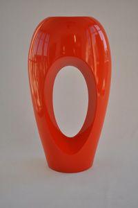 Metallic finish for stunning look! Indoor pot