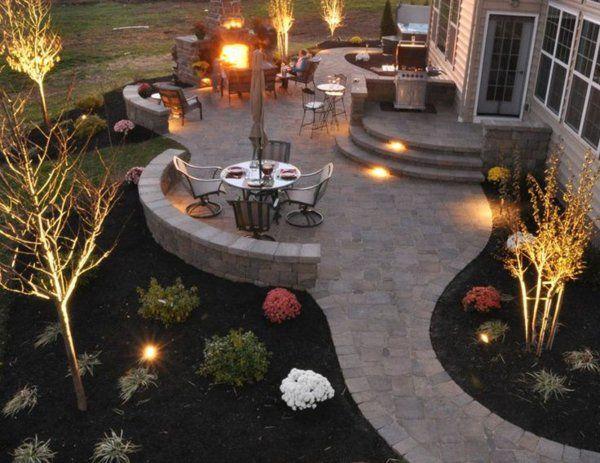 terrassengestaltungsideen sch ne beleuchtung rundtisch. Black Bedroom Furniture Sets. Home Design Ideas