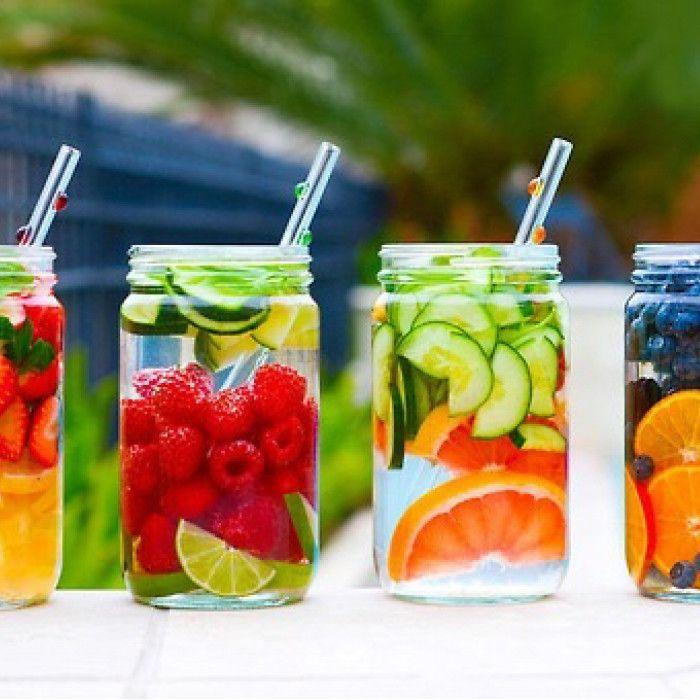 果物を水に入れるだけ♥簡単で可愛い「デトックスウォーター」の効能とは? - Spotlight (スポットライト)