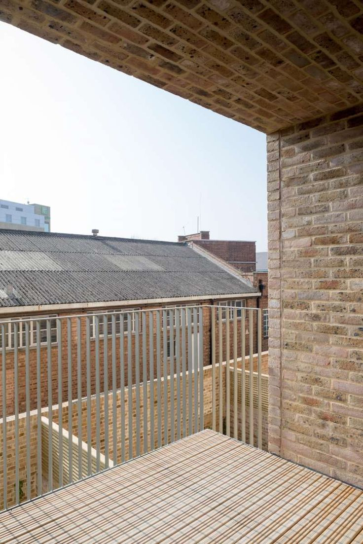 apartment balcony/loggia - Brentford Lock West - Riches Hawley Mikhail
