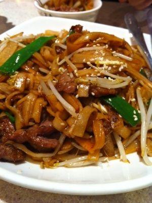 Beef ho fun at Kings Noodle Restaurant #Toronto