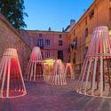 Desde Singapur, DP Architects intervino Logroño con su propia visión de los vinos de La Rioja © Josema Cutillas