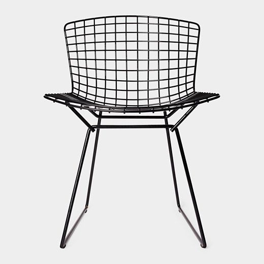 Bertoia Side Chair, 1952 by Harry Bertoi #diningchairs #velvetchair #chairdesign comfortable chair, modern chairs ideas, side chair | See more at http://modernchairs.eu