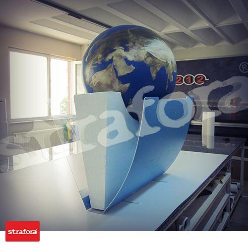 Noki klasör içine Dünya'yı sığdırabilir misiniz? Strafora bunu yapabilir. İşte örneğimiz...  #Strafora #Dünya #Klasör #Dosya #Çalışma #3D #Reklam