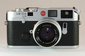 近頃は中古でもライカのカメラが出ているので、比較的手が届きやすくなってきました。