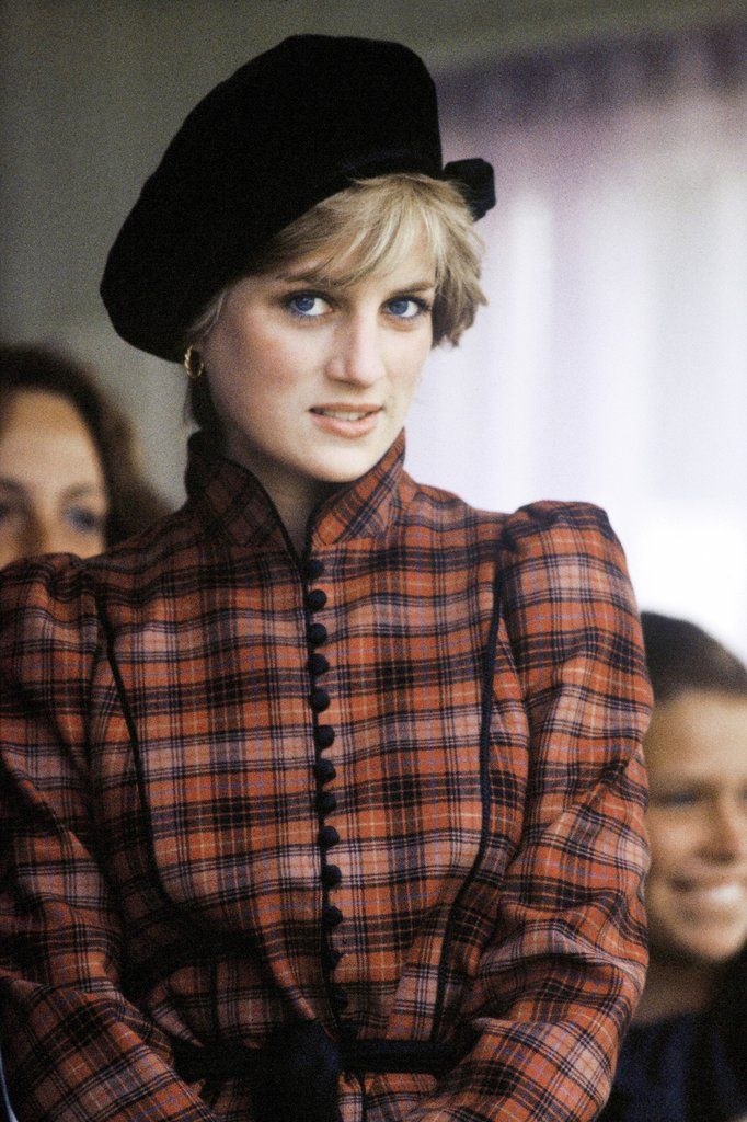 Diana at the Braemar Games in a Philip Somerville beret, 1981.