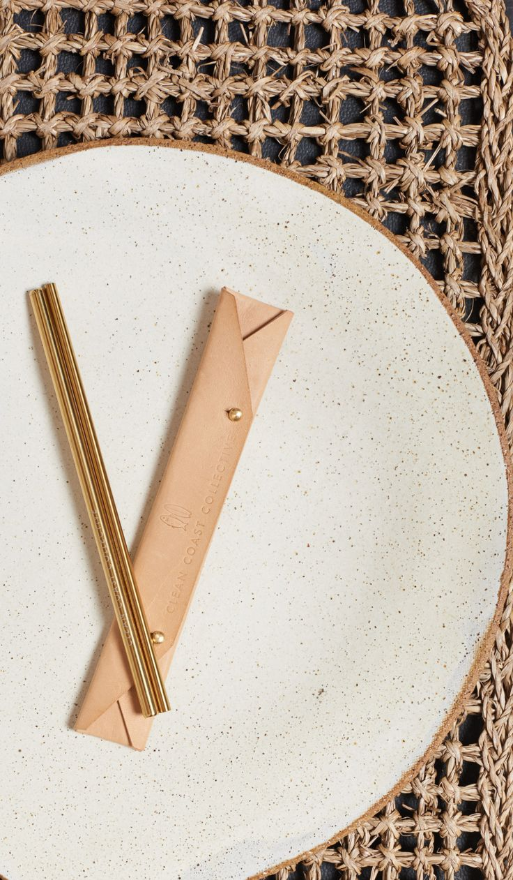 Pacific Gold Straw Set in Natural Sand | www.cleancoastcollective.org