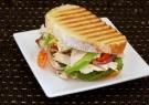 Σάντουιτς με κοτόπουλο, ρόκα και μοτσαρέλα - Γρήγορες Συνταγές | γαστρονόμος online
