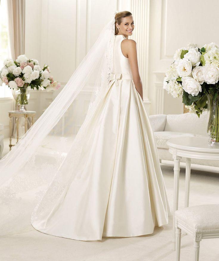 Pronovias vous présente la robe de mariée Gala, Manuel Mota 2013. | Pronovias