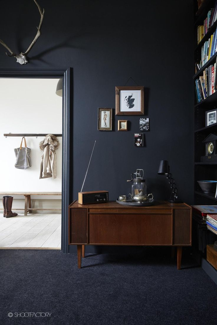 This beautiful London home is an awesome combination of industrial and rustic! I wouldn't mind moving there, massive amount of love for that kitchen, the painted brick walls and bold black painted ones too, the feature wall behind the bed (yes feature walls can be good!) and of course the Aga! Take a look...