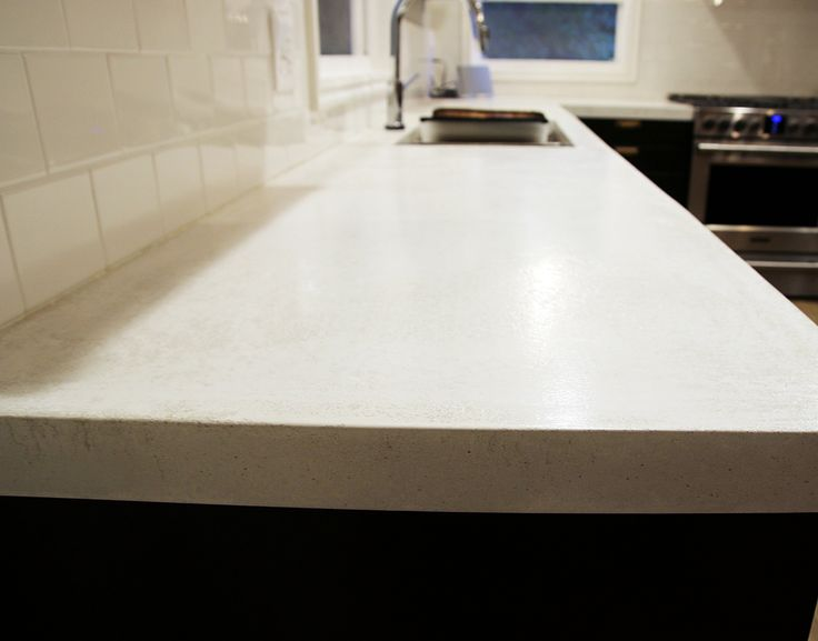 Definitely one of the most popular projects of our kitchen renovation so far has been our DIY white concrete countertops. You can read the whole post here (if you scroll down to the bottom of that post, Z Counterform has even offered up a discount... #kitchen #kitchenreno #whiteconcretecountertops