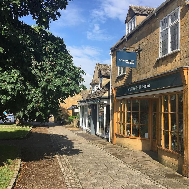 Election goggles got too bright? Not to worry as the sun is shining here in beautiful #Broadway - it's a great time to take a trip to the #cotswolds #sunshine