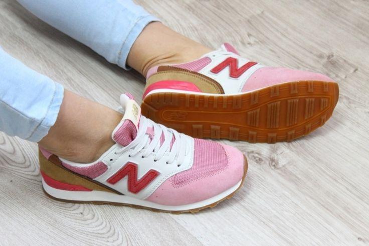 Обувь Стильные женские замшевые кроссовки Нью Баланс розовые