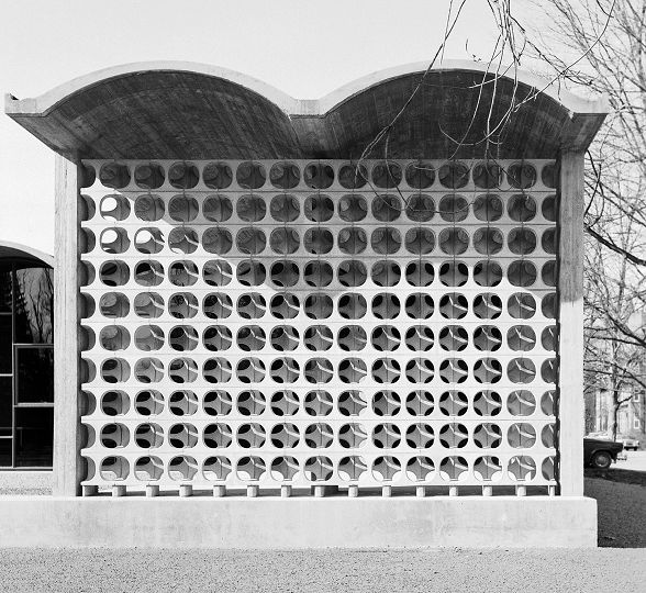 erwin hauer screen wall / vassar college, chicago hall, poughkeepsie, ny / architects: schweikher and elting.