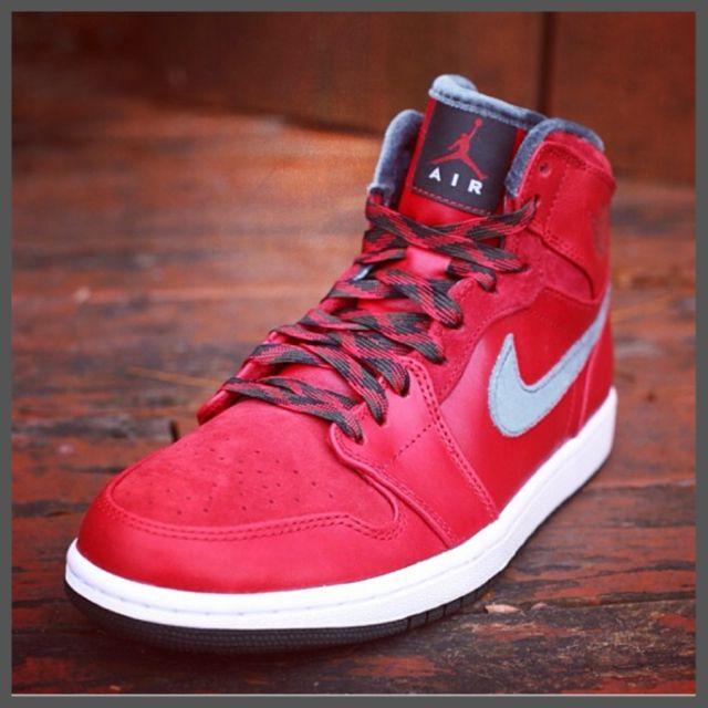"Air Jordan 1 Retro Hi Premier ""Varsity Red/Dark Army"" – Re-Release"