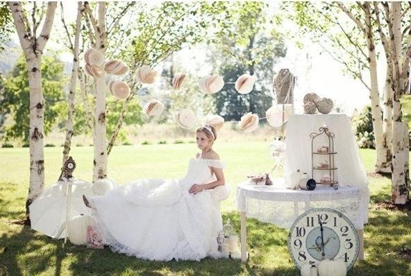 O idee pentru o nunta tematica: Alice in Tara Minunilor - Nunti tematice - Femeia Stie.ro