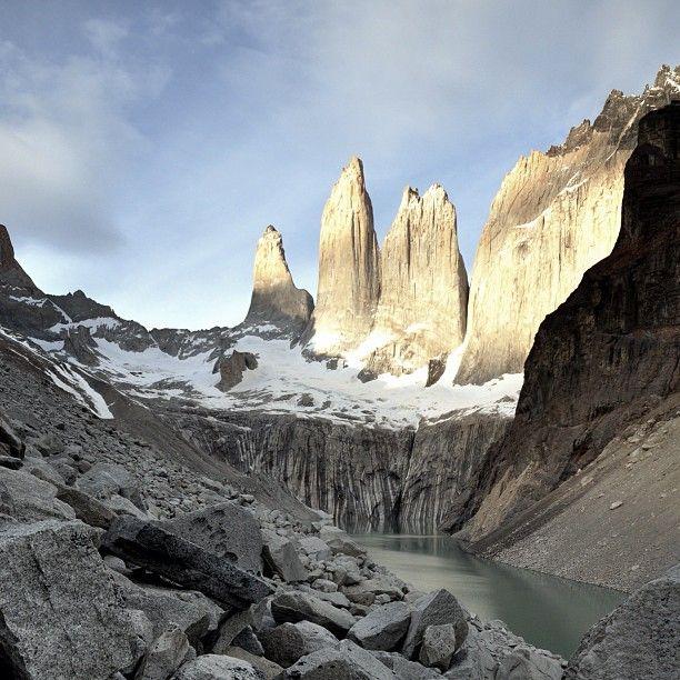 Torres del Paine, Parque Nacional Torres del Paine, XII Región de Magallanes y Antártica Chilena. Fotografía de Marko Kuo