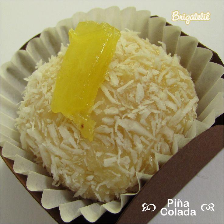 Piña Colada: massa de chocolate branco com compota de abacaxi, aromatizada licor…