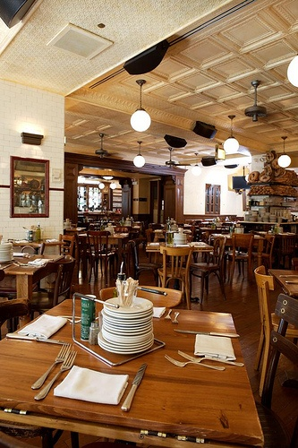 Quartino is an urban Chicago Italian restaurant and wine bar offering  authentic regional Italian food and wine in a lively, welcoming atmosphere  with ...
