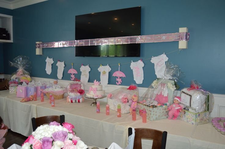 It's a girl Baby Shower Decor