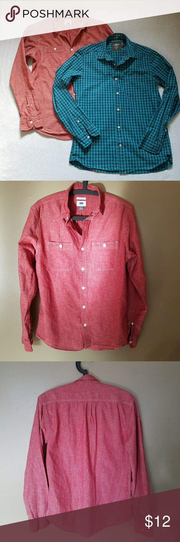 Bundel H&M Old Navy button down shirts red blue S Old Navy slim fit red chambray shirt in excellent used condition, no flaws, 78% cotton,  22% linen, length ca 27 inches, chest armpit to armpit ca 21 inches;  H&M L.O.G.G. navy blue and turquoise fitted plaid shirt in gently used condition,  signs of light wash and wear,  no other flaws, 100% cotton,  length ca 27 inches, chest armpit to armpit ca 19.5 inches. H&M Shirts Casual Button Down Shirts