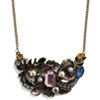 Enter to win a prize every day this month with Like to Win! Today, score the Heirloom-inous Necklace from ModCloth. Enter now on Teen Vogue's Facebook page»