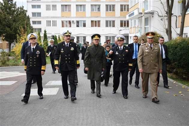 Contraamiralul Alexandru Mîrsu a primit joi, 3 noiembrie la Constanta vizita generalului Hulusi Akar comandantul Fortelor Armate ale Republicii Turcia