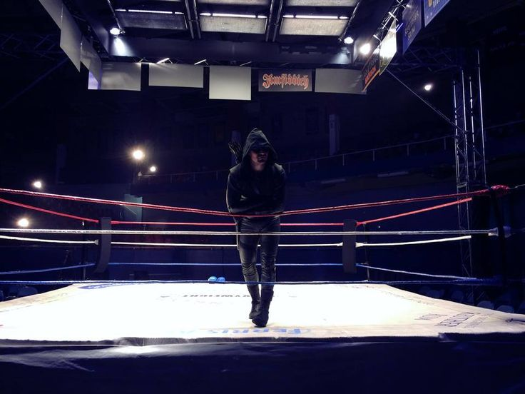 Stephen Amell Teases Arrow in the Wrestling Ring