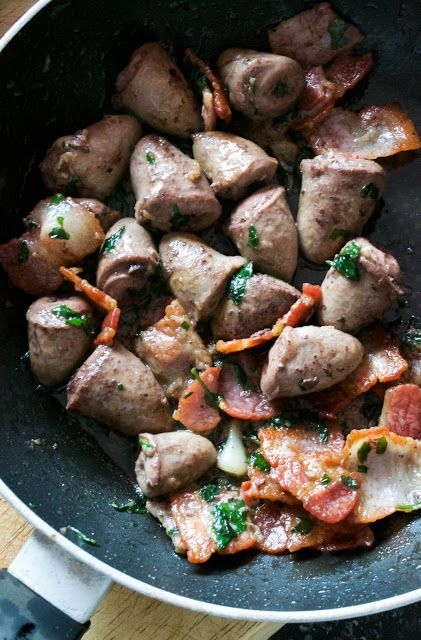Easy Pan-Fried Chicken Hearts with Garlic and Herbs