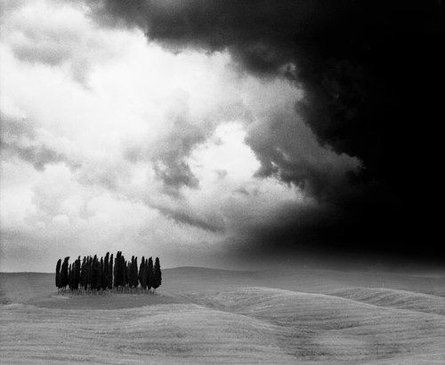 I was nominated by Daniel Movitzto post a Black and White Photo everyday for 5 days. So here goes Day 1 of 5. How could I not start with this image: the storm in Tuscany. Place: Val d'Orcia, not f...