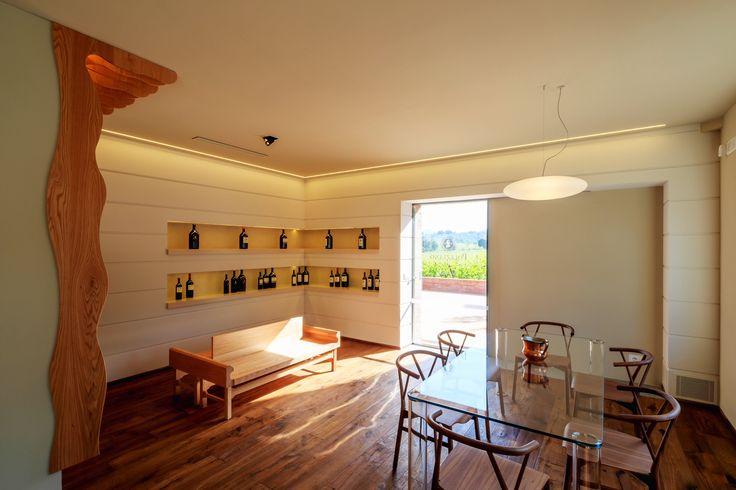 Tasting wine room Progetto arch. G. Barugi   Ph.M.Rellini