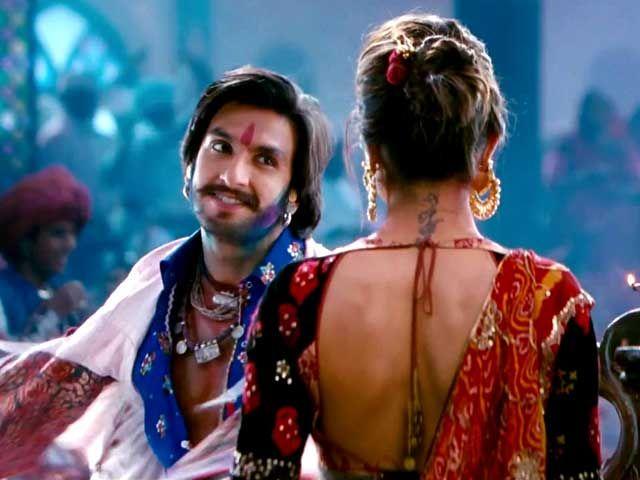 Blossoming romance: Deepika, Ranveer in 'Ram-Leela' song http://ndtv.in/17iu2iP