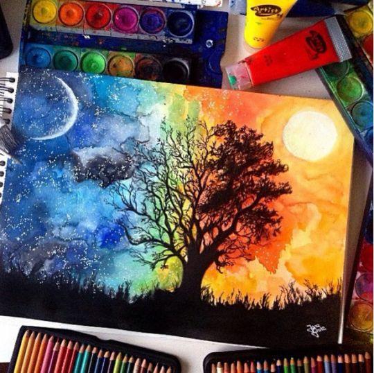 On voit un arbre noir d'un côté les branches sont fournies et il y a plein de feuilles. Le fond de ce côté est de couleur orangé et il y a un soleil blanc. De l'autre côté l'arbre n'a pas de feuilles et le fond représente la nuit, on voit une lune et des étoiles de couleur blanches. J'aime cette image puisqu'elle pourrait très bien représenter la personnalité de quelqu'un.