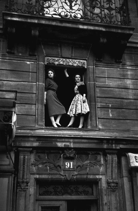 Paris 1958 | woman | posing | vintage | romantic | city | urban | black | 91 | friends