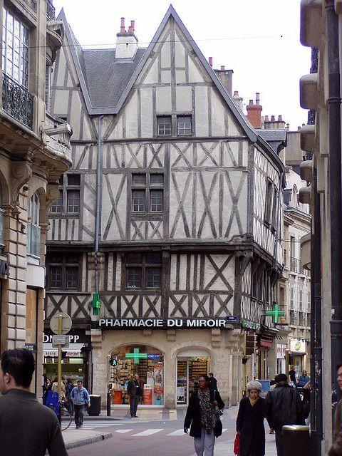 Dijon, France. Il était a habitée par les Romains milliers des ans