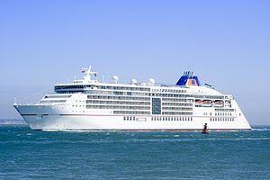 EUROPA 2. Ιδιοκτησία: Hapag Lloyd Kreuzfharten - Germany (από το 2015) (a subsidiary of TUI). Διαχείριση: Hapag Lloyd. Παρθενικό ταξίδι στις 11/05/2013. 42.830 GT ~ 225,38 μ.μ. ~ 26,70 μ.πλάτος ~ 7 κατ/τα ~ 18 ~ 21,4 knots ~ 516 ~ 544 επ. ~ 370 ατ.πλ. και πλέον.