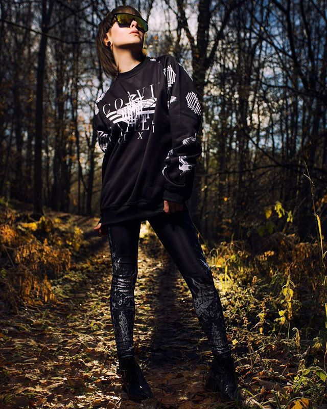 """Corvid Fam"" Raglan Sweatshirt & CRMC X @wirosatan ""Aske Til Aske"" Leggings Available at www.crmc-clothing.co.uk | WE SHIP WORLDWIDE Models - @izabellaraejaxxofficial Photography - @adrianianmcnab #darkwear #need #blackwear #want #cozy #altfashion #alternative #niche #fashionstatement #fashiongram #fashionista #iloveblack #womenwithtattoos #winter #winterfashion #chic #style #alternativeguy #alternativeboy #alternativegirl #alternativeteen"