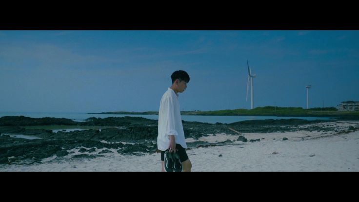 [Crush]  'Outside' 수록곡 'Summer Love' 뮤직비디오 깜짝 선공개!  Check out the surprise MV release for 'Summer Love', the 1st track off of Crush's album 'Outside'! https://youtu.be/dmEpvtvQ5ZU  모든 음원 사이트에서도 확인 가능합니다~! Also available on all music stores!   #Crush #크러쉬 #Outside #아웃사이드 #SummerLove #써머러브 #썸머러브 #선공개