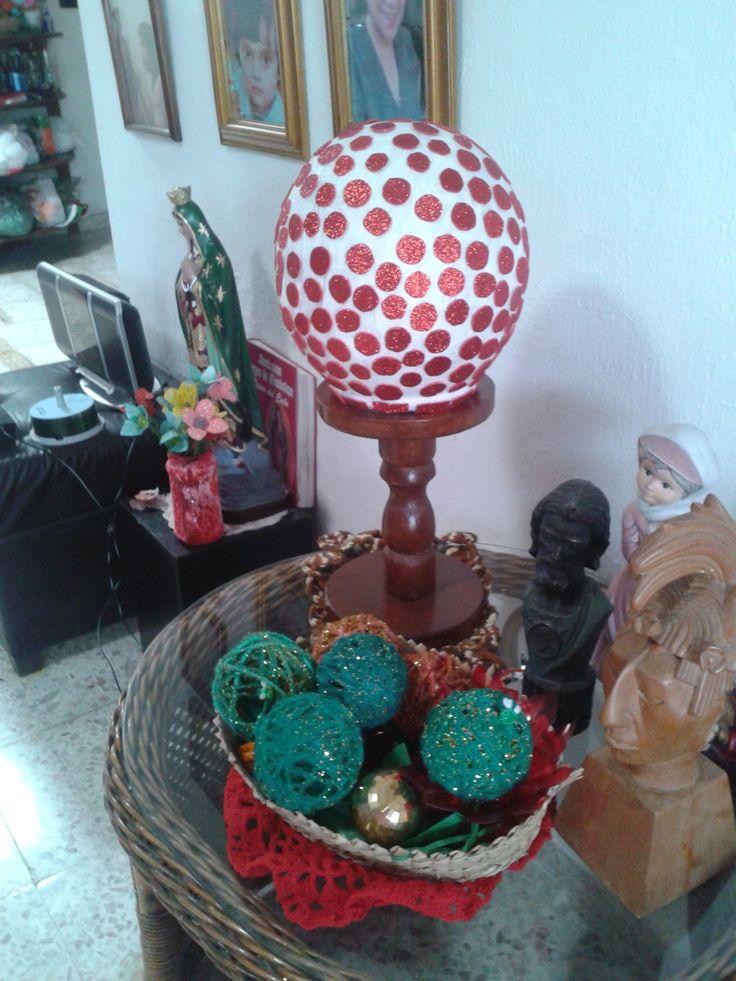 lampara de buro tapizada en foamy rojo navidad