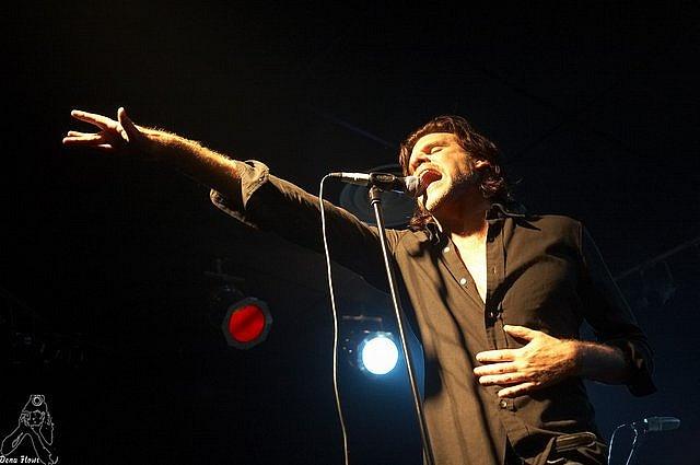 Tex Perkins / The Beasts of Bourbon / Sala Totem / Villaba / Navarra / 22/IV/2006 / http://www.denaflows.com/Photos/ConcertGallery/BeastsOfBourbon/index.php