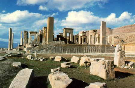Image result for PERSIAN PALACES RUINS