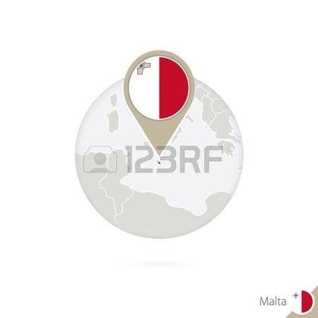 Malta mapa y la bandera en círculo. Mapa de Malta, Malta pin de la bandera. Mapa de Malta en el estilo del globo. Ilustración del vector.