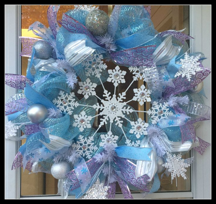 Best 25+ Snowflake wreath ideas on Pinterest