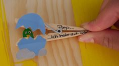 Bastelideen für Kinder: Mit Wäscheklammern basteln. Unsere Anleitung zeigt, wie Ihr ganz einfach mit Euren Kindern aus Wäscheklammern Figuren basteln könnt.