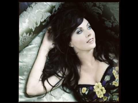 A fave contemporary song covered by Sarah Brightman.Music Baby, Favorite Music, Sarah Brightman, Beautiful Voice, Full Size, Perfect People, Full Homo, Beautiful People, Music Gift