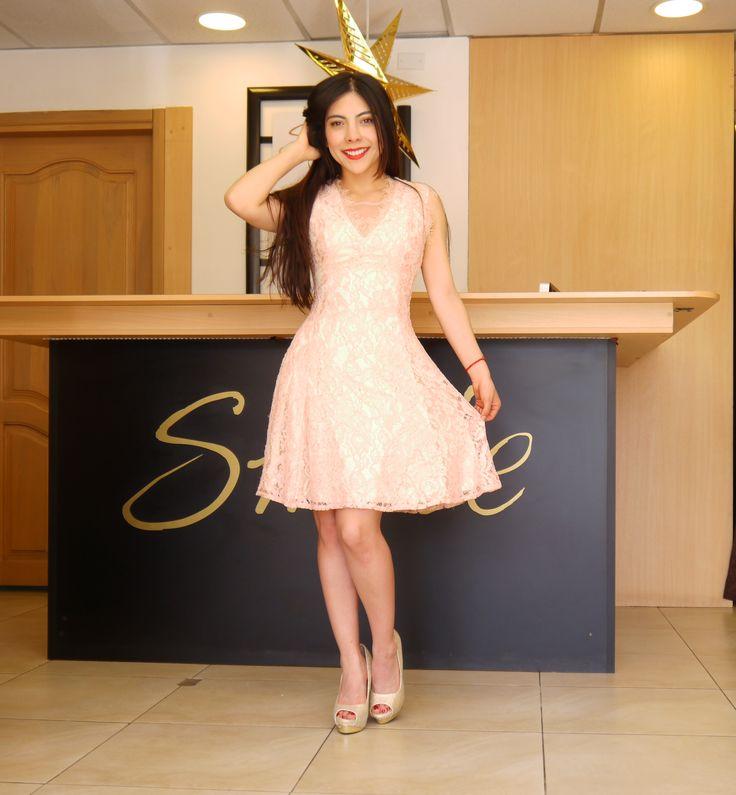 Vestido de randa con corte en a. (Modelo: Oriana Ghia) #fashion #moda #design #descuentos #ecuador #estilo #tendency #trend #style #fashionista #ropa  #designer #fashionblogger #fashionstyle #fashiondiaries #glbti #lgbt #loo#k #moda @sml.smile.ec