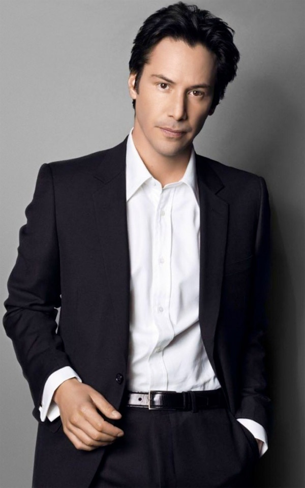 Keanu Reeves sexiest man in Hollywood! [(English, Portuguese, Irish, Chinese and Native Hawaiian descent]