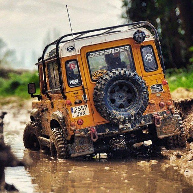 Land Rover Defender  Super Tunados Blog. Carros, Motos, Embarcações, Aeronaves e…                                                                                                                                                                                 Mais