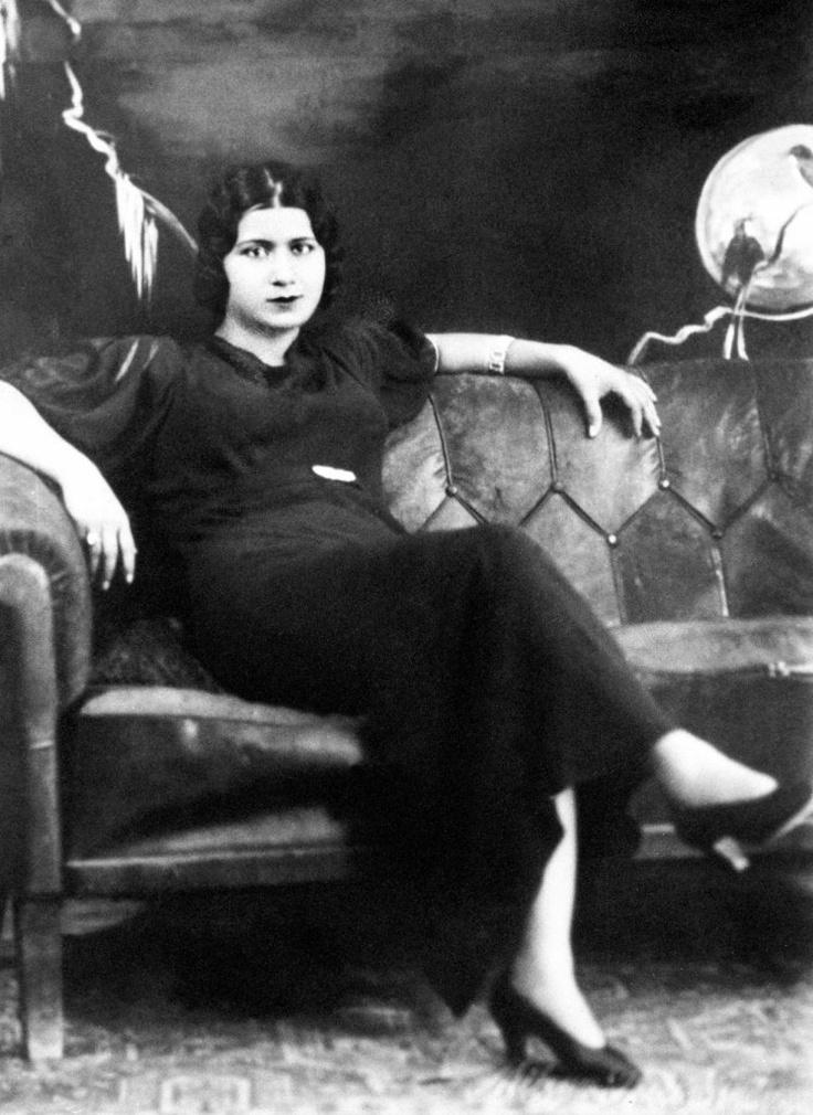 10. Umm Kulthum, extraordinary Egyptian singer.